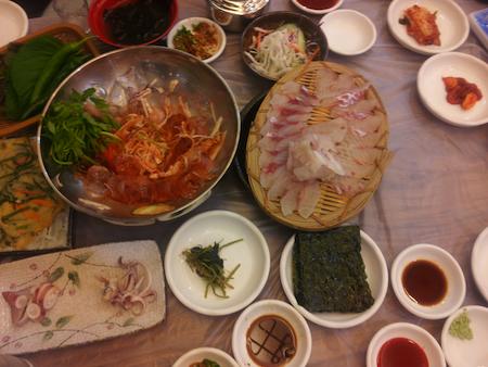 釜山初日の食事です